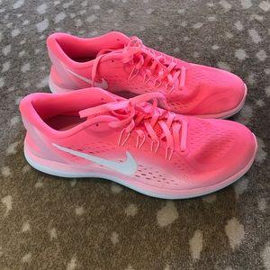 Nike Neon Pink Tennis Shoes NWOT.